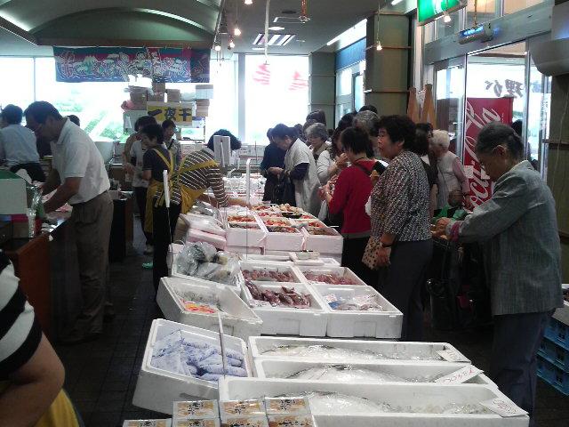 魚市場画像