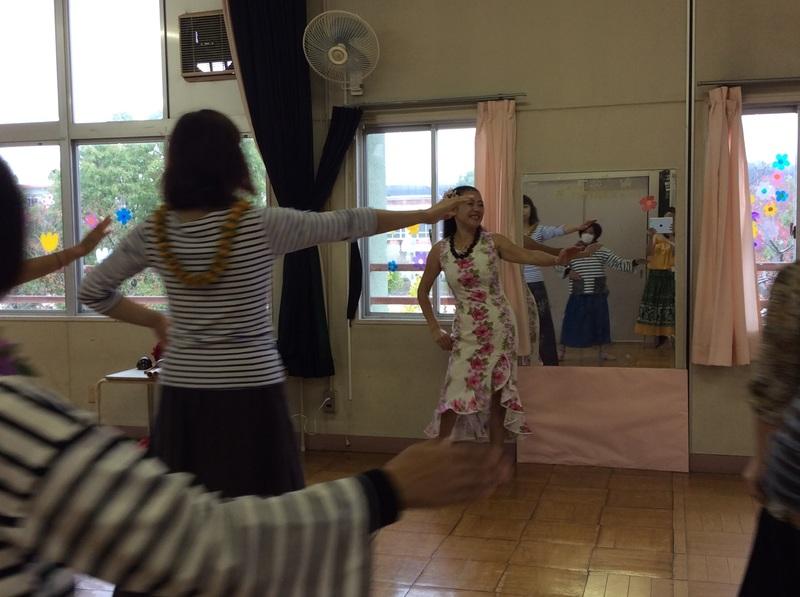 🌴幼稚園ママさんフラダンス体験教室画像